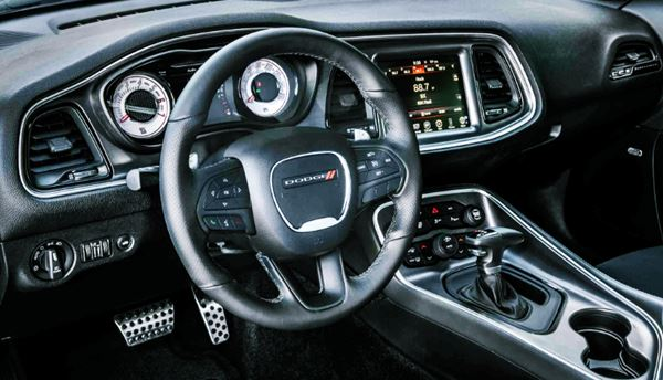 2022 Dodge Challenger Features