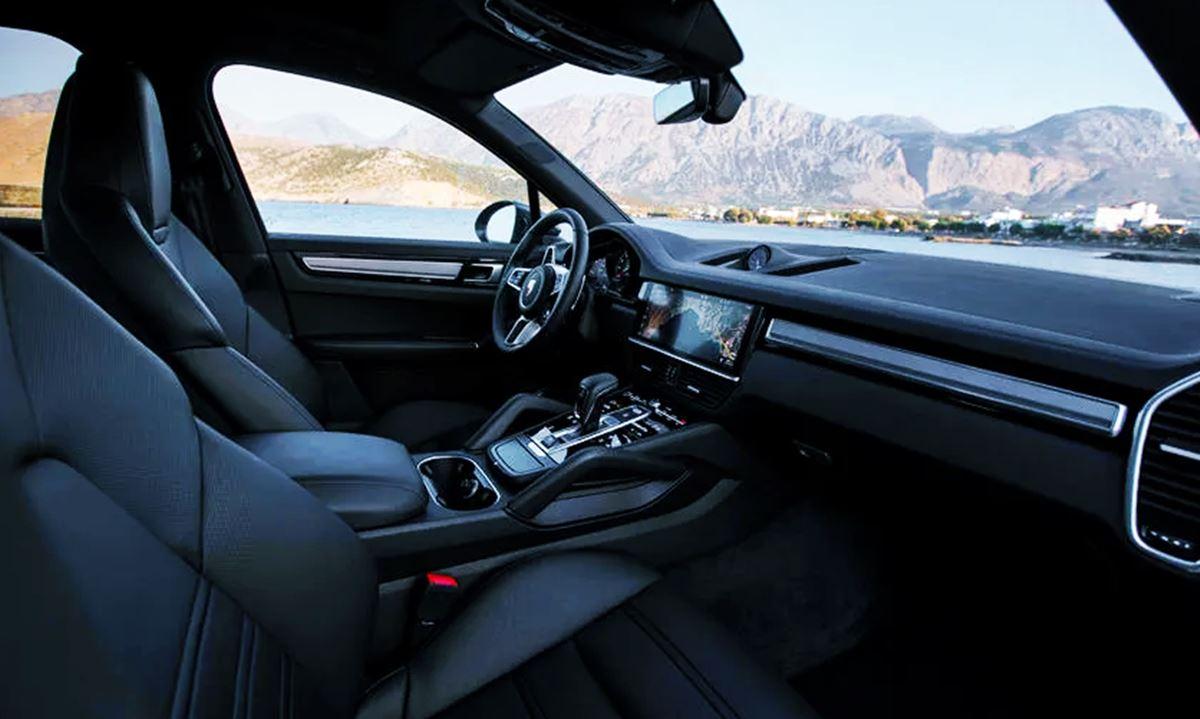 Porsche Cayenne 2023 Interior